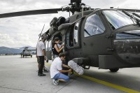 http://klausfroehlich.de/files/gimgs/th-60_800_Helikopter-Streichquartett_0130-Bearbeitet.jpg